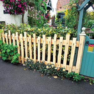 Flat Cleft Fence